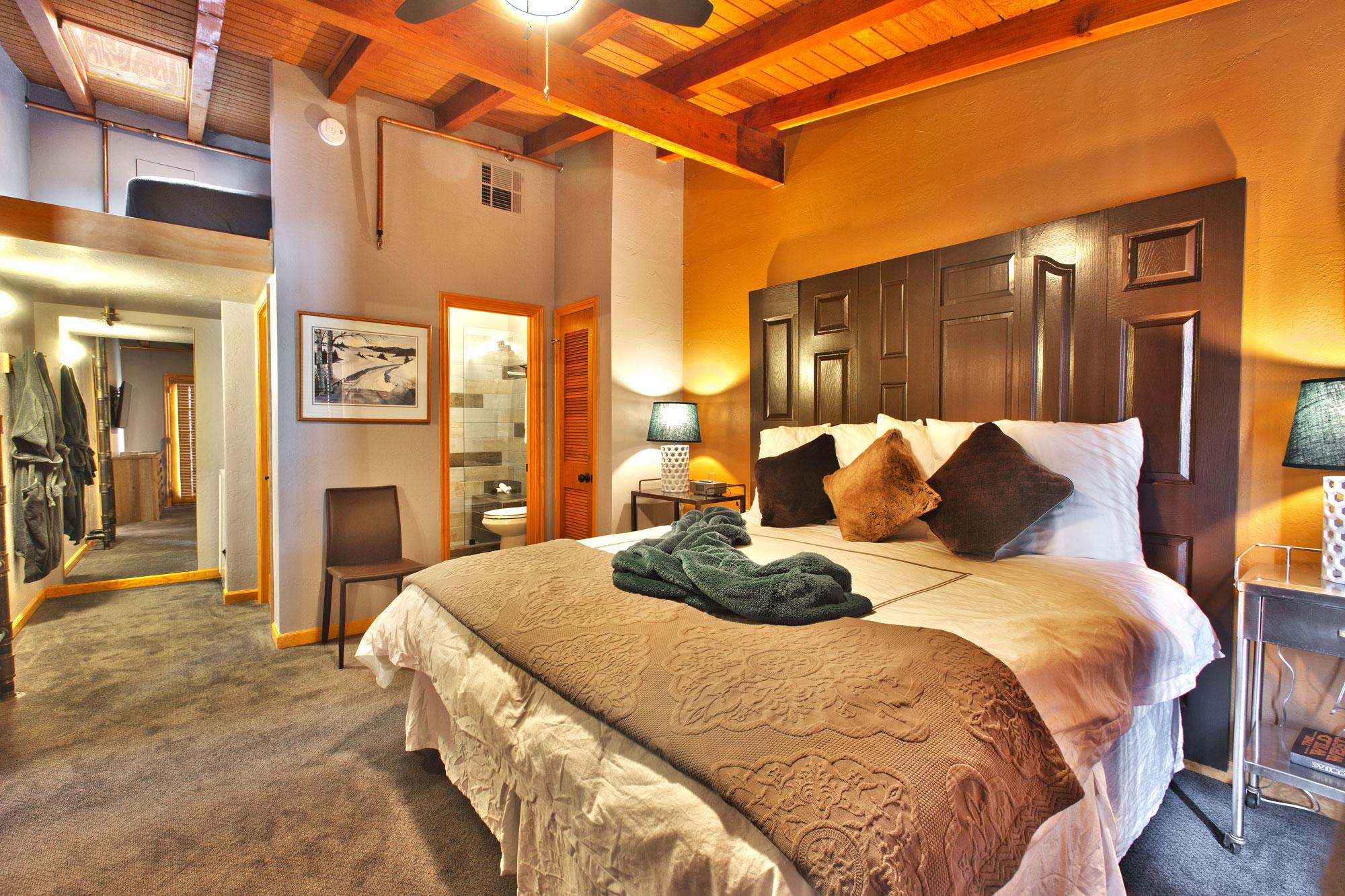 Unit 2: 2 Bedroom, 2 Bath | Heretic Condos